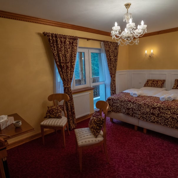 Room #5 - double bed